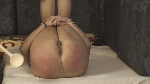 FAM0819 029 m - spanking-family - HD/MP4 - Episode: 0819. Tina`s Spanking, Rectal Temperature and Suppository