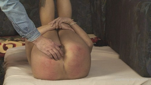 FAM0819 055 m - spanking-family - HD/MP4 - Episode: 0819. Tina`s Spanking, Rectal Temperature and Suppository