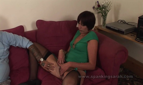 snapshot20180104232022 m - spankingsarah - MP4/SD - A Lesson With The Paddle