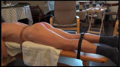 snapshot20180107115447 m - MP4/SD - Spanking on the bench
