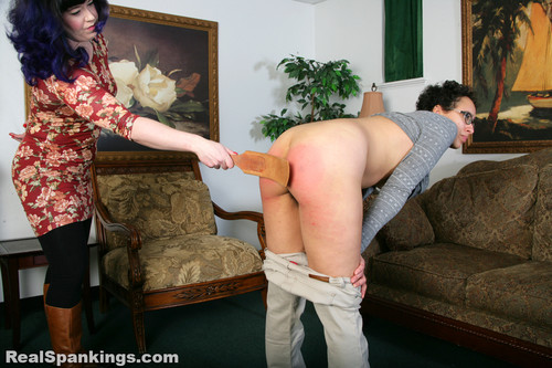14437 059 m - realspankings – MP4/Full HD – Rose: Strapped with Breasts Exposed