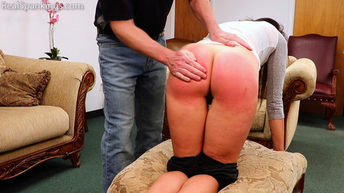 14737 012 m - realspankings – MP4/Full HD – Delta Bares her Bottom and Waits download for free