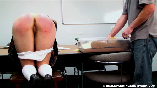 snapshot20180817221235 m - realspankingsnetwork – MP4/Full HD – London Spanked by The Dean download for free