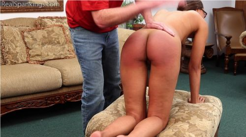 5bd88dddd6329 2 - Real Spankings – MP4/Full HD – Spanked Before Her Shower | OCT. 19, 18