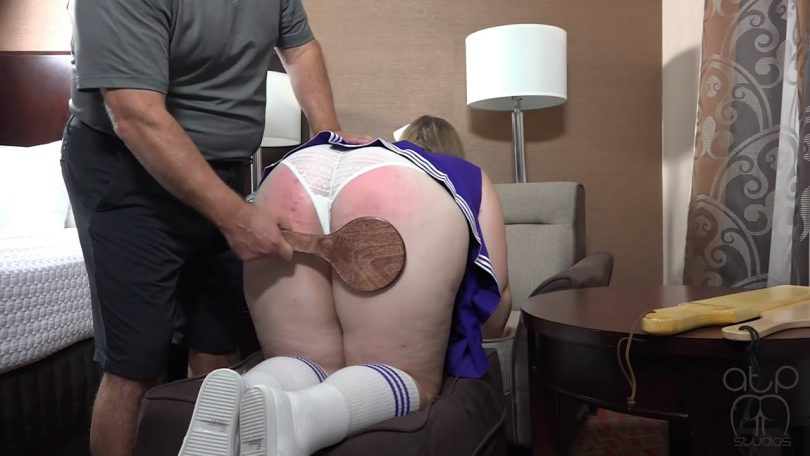 snapshot20181028213341 810x456 - Assume The Position Studios – MP4/HD – CHRISTY CUTIE,THE MASTER - CHEER CONVENTION 2 - PADDLING CHRISTY CUTIE