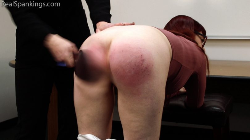 14990 013 810x456 - Real Spankings – MP4/Full HD – Isabella's Halloween Spanking Fun | November 14, 2018 (1080p)