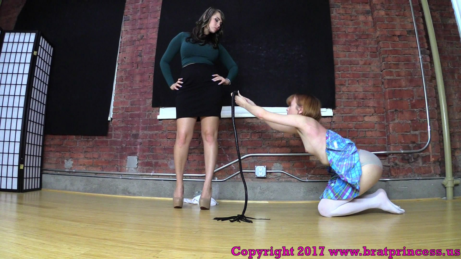 Brat Princess – MP4/Full HD – Lizzy,Natalya – Brutally Whipped for Going through Natalyas Things (1080 HD)