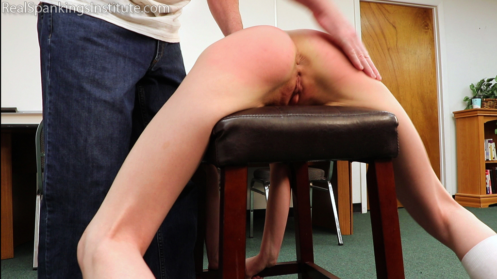 Real Spankings Institute – MP4/Full HD – An Embarrassing Punishment for Julia (Part 1 of 2)
