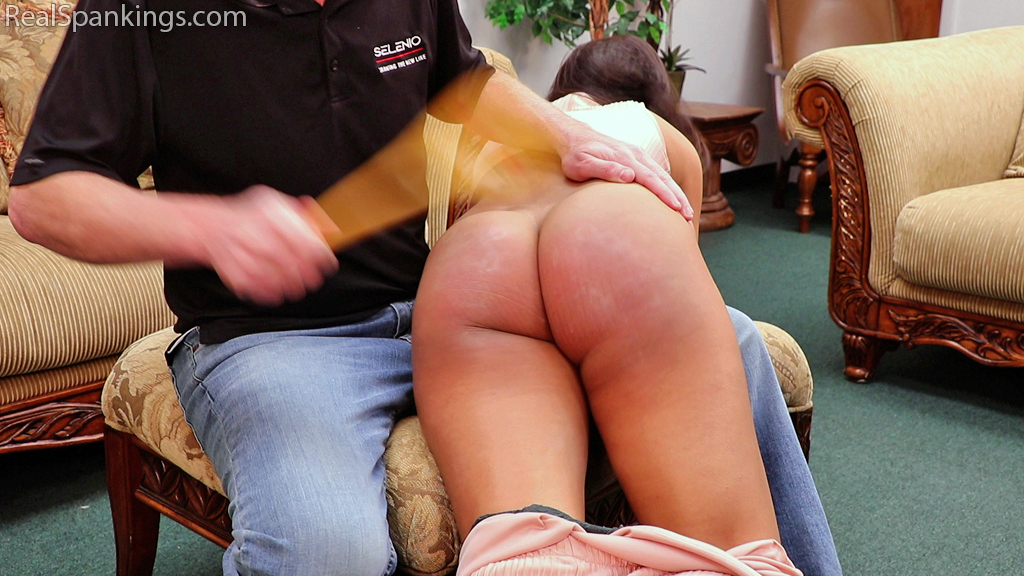 Real Spankings – MP4/Full HD – Before Bedtime Spanking (Part 1 of 2) | December 21, 2018