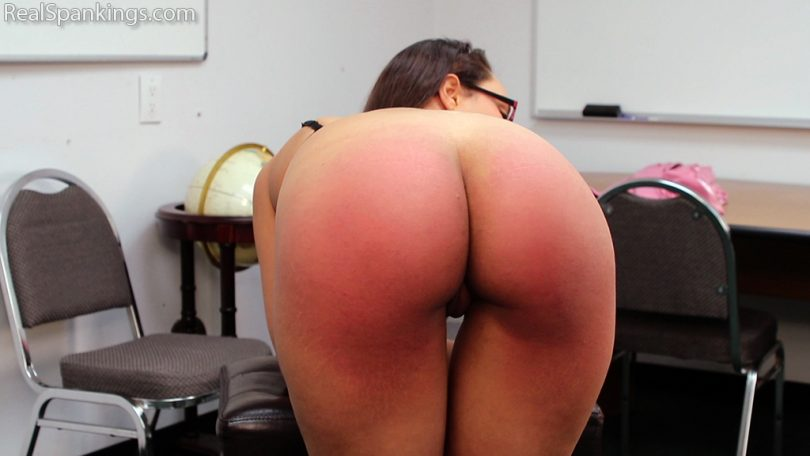 15110 013 810x456 - Real Spankings – MP4/Full HD – Getting to Know Ambriel   December 28, 2018