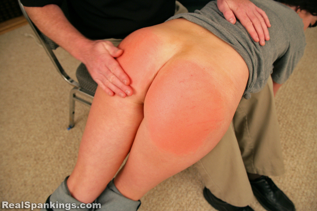OTK Spankings – RM/HD – Autumn: Bare Bottom OTK Hand Spanking | December 28, 2018