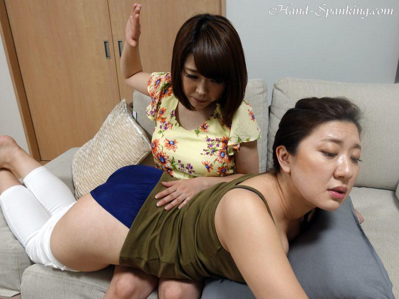 m27 28 810x608 - Hand-Spanking – MP4/HD – Yuko,Yui - Nostalgic Roommate's Revenge