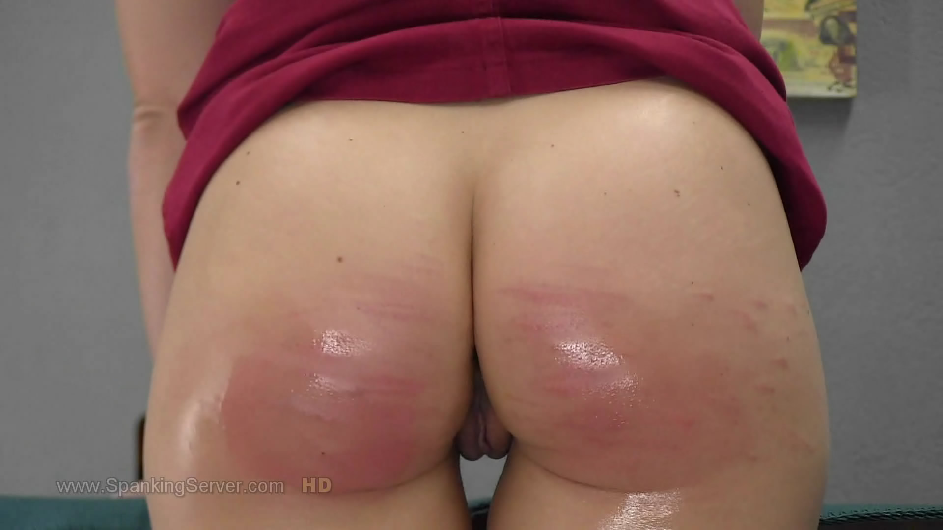 Spanking Server – MP4/Full HD –