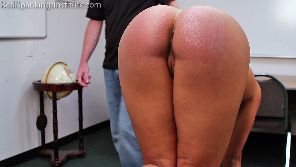 Real Spankings Institute – MP4/Full HD – Cleo is Punished by The Dean (Part 2 of 2) | January 02, 2019