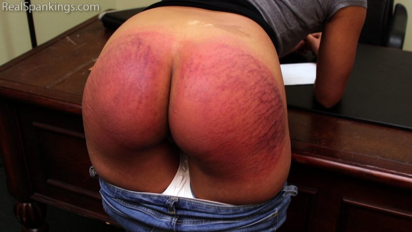 Real Spankings – MP4/Full HD – Paddled for Smoking | January 28, 2019