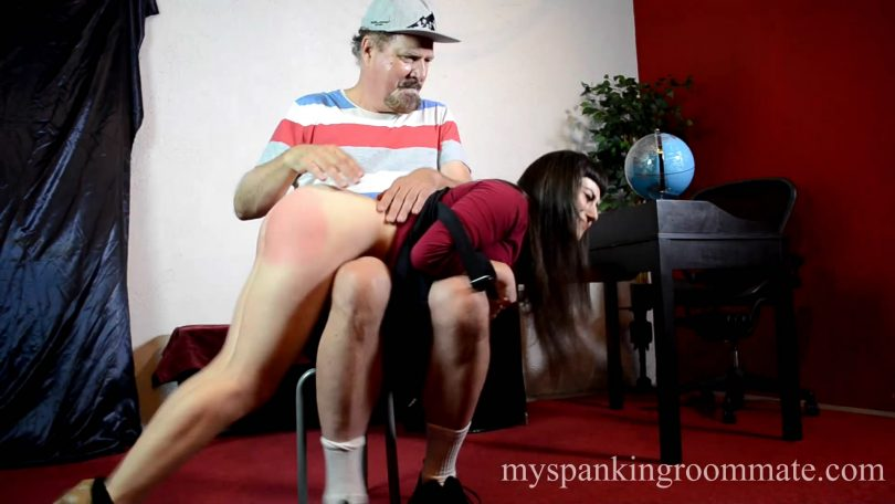 snapshot20190114123327 810x456 - My Spanking Roommate – MP4/Full HD – Elori Stix - Episode 299: Mr. Ford Spanks Secretary Elori Stix in Office