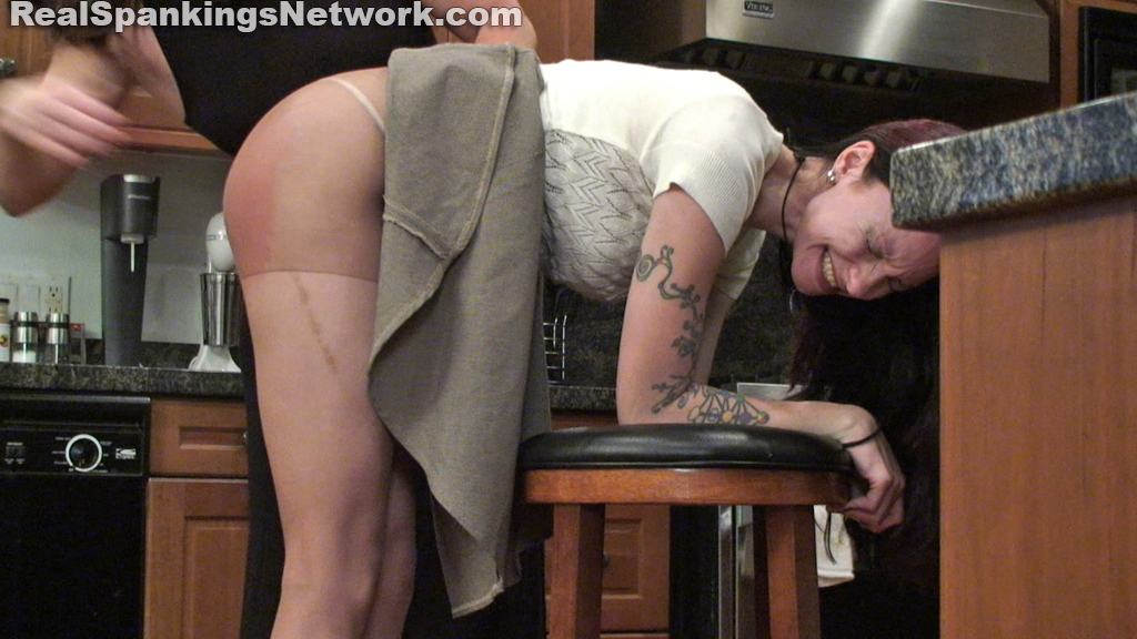 Real Strappings – RM/HD – Home From College: A Dose of the Belt | FEB. 08, 19