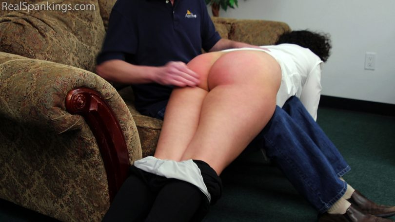 15271 010 810x456 - Real Spankings – MP4/Full HD – Rose: Spanked Before Heading Out | March 13, 2019