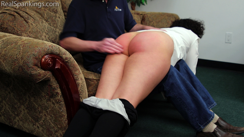Real Spankings – MP4/Full HD – Rose: Spanked Before Heading Out | March 13, 2019