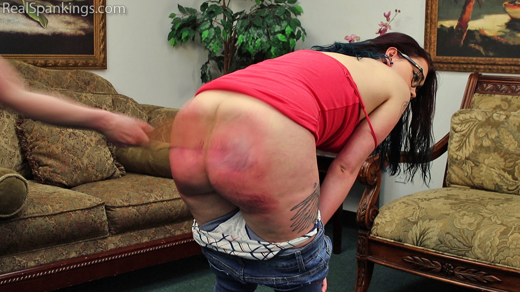 Real Spankings – MP4/Full HD –
