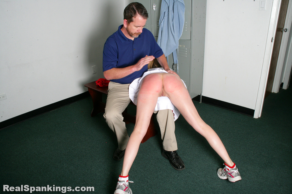 OTK Spankings – RM/HD – Cheerleader Spanked in the Locker Room | April 05, 2019