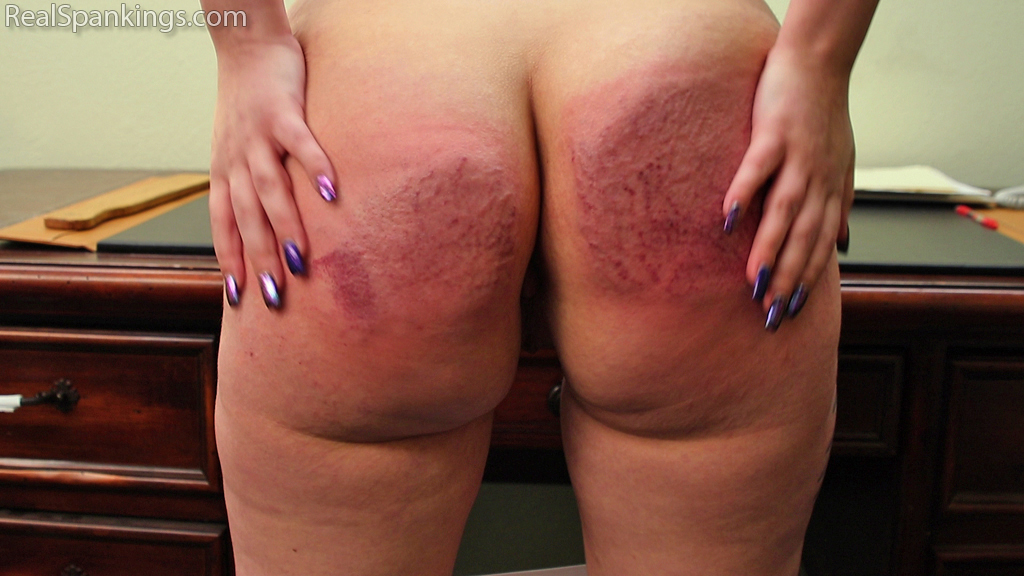Real Spankings – MP4/Full HD – Anastasia: Paddled for No Bra | May 08, 2019