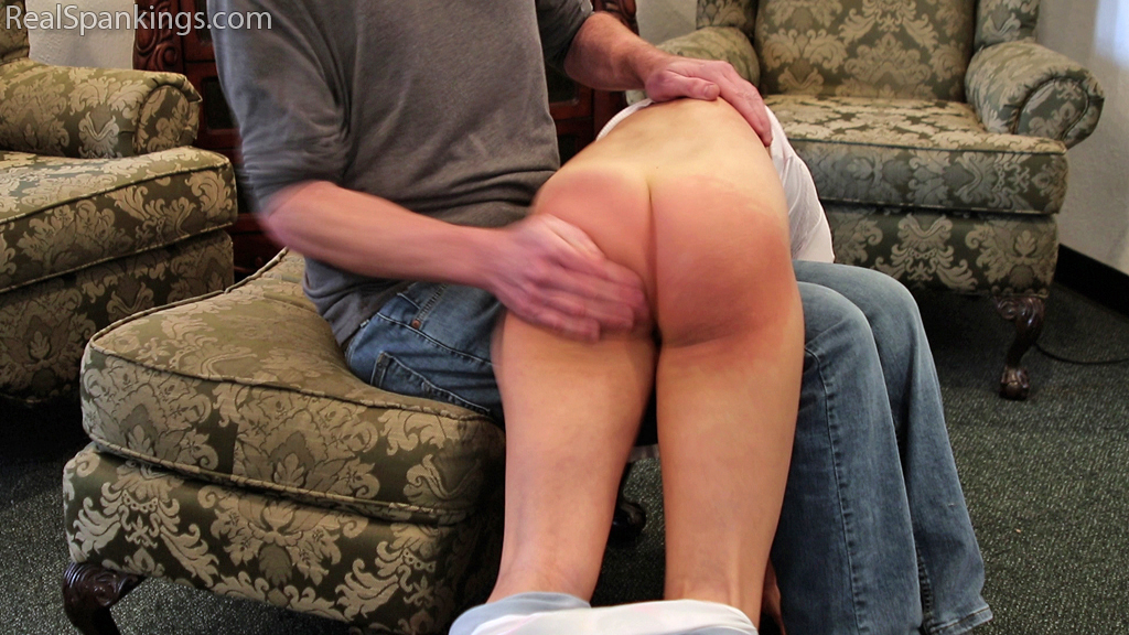 15414 010 - Real Spankings – MP4/Full HD – Spanked on the Way out the Door | May 13, 2019