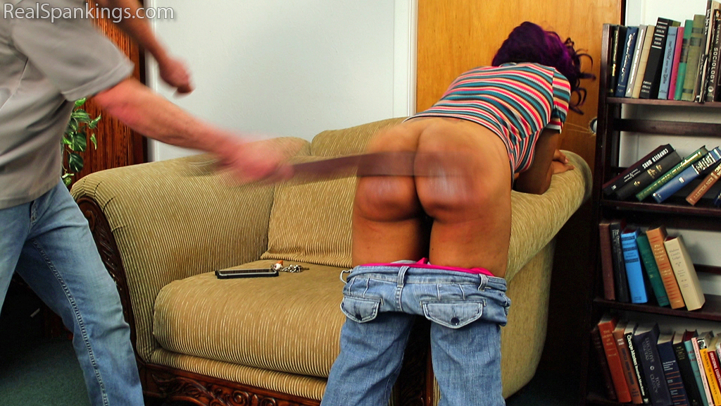 Real Spankings – MP4/Full HD – Just Wait Until We Get Home!   June 19, 2019