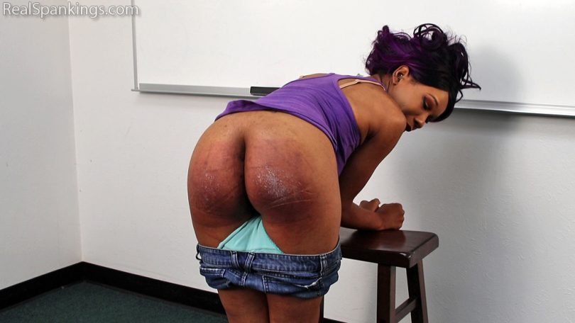 15504 002 810x456 - Real Spankings – MP4/Full HD – School Swats with Cupcake Sinclair | June 24, 2019