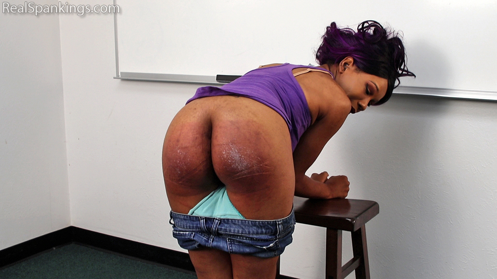 Real Spankings – MP4/Full HD – School Swats with Cupcake Sinclair | June 24, 2019