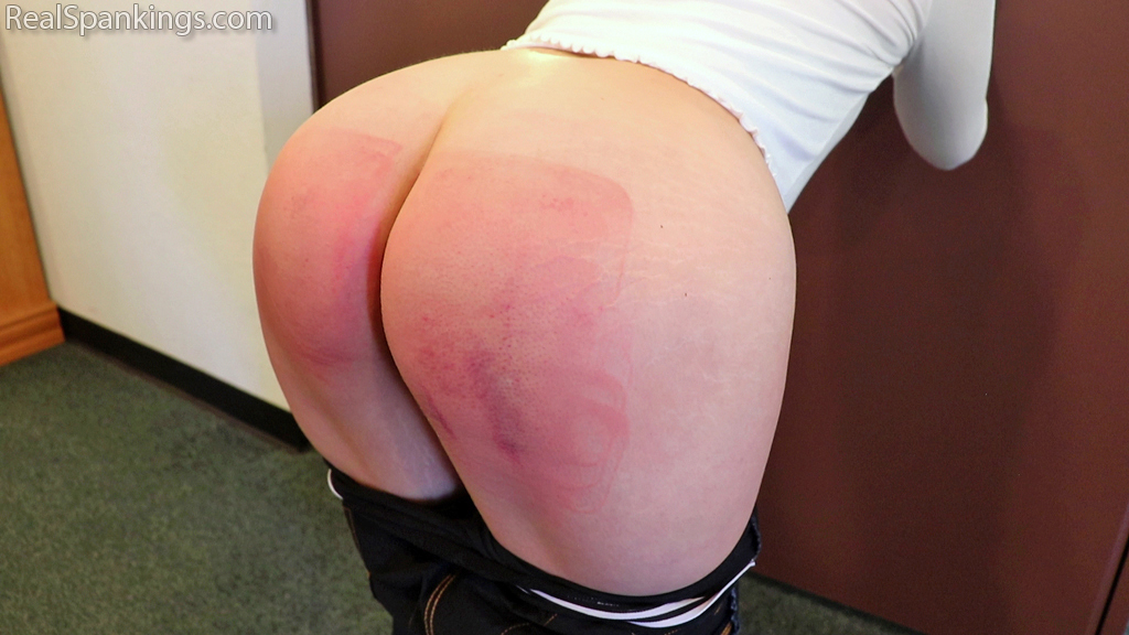 Real Spankings – MP4/Full HD – Cara's Hard and Fast School Paddling  | June 26, 2019