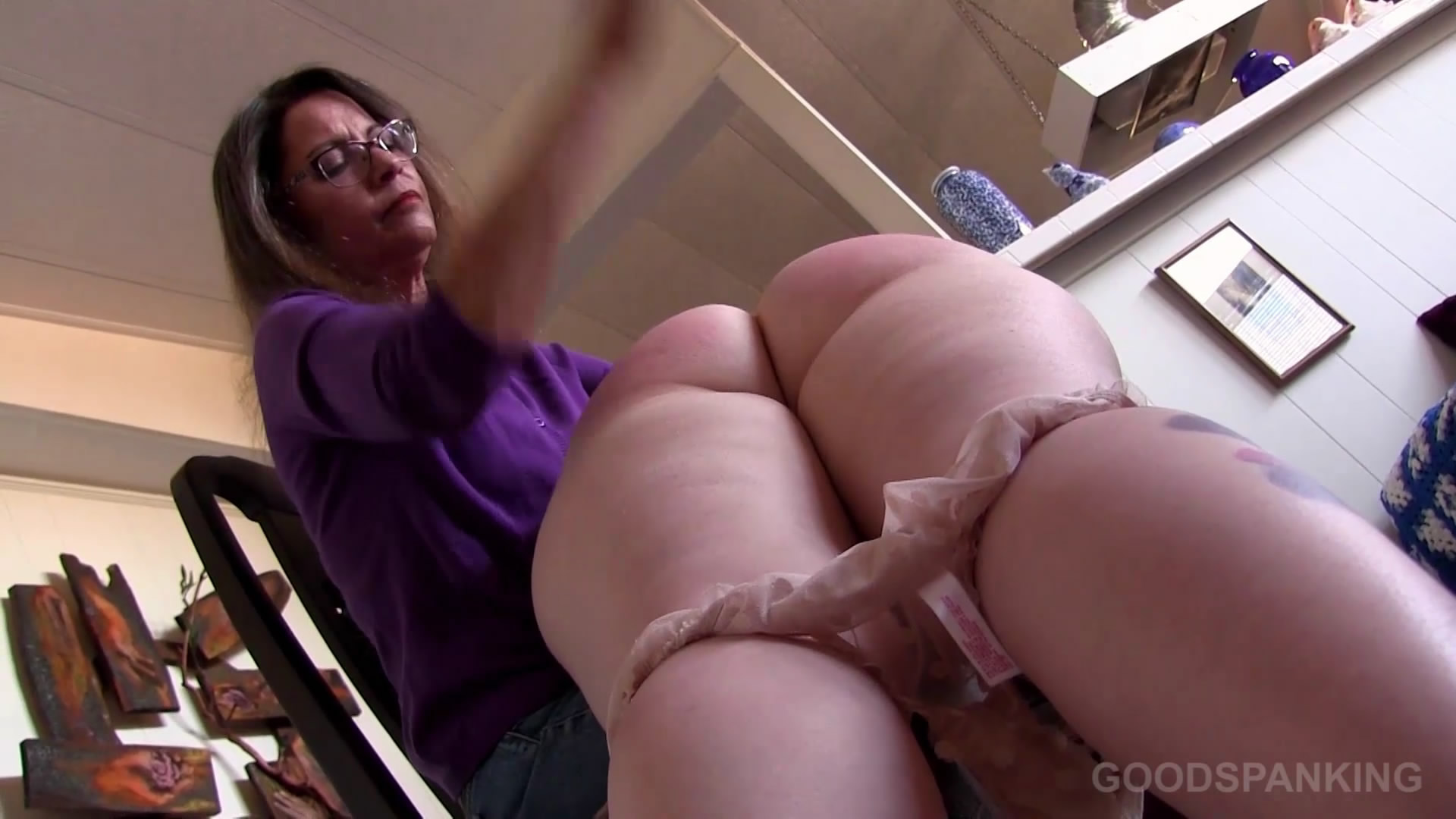 Good Spanking – MP4/Full HD – CHELSEA PFEIFFER,GINGER SPARKS – THE LAST LAUGH