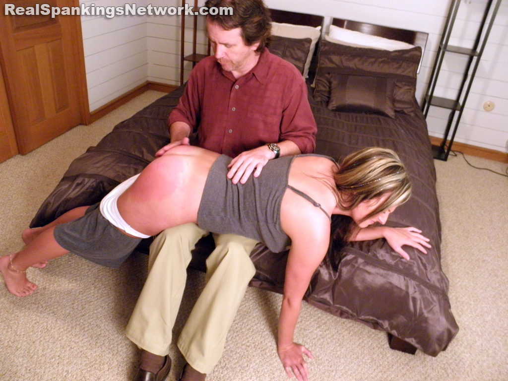 OTK Spankings – RM/HD – Riley Punished OTK by The Dean | August 30, 2019