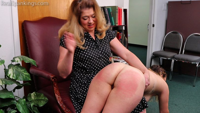 15684 004 810x456 - Real Spankings – MP4/Full HD – Punishment Profile: Kaylee | September 04, 2019