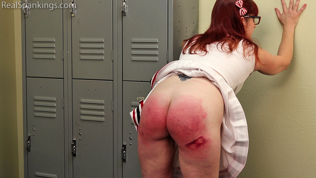 Real Spankings – MP4/Full HD – Cheerleader Punishment: Isabella | October 07, 2019