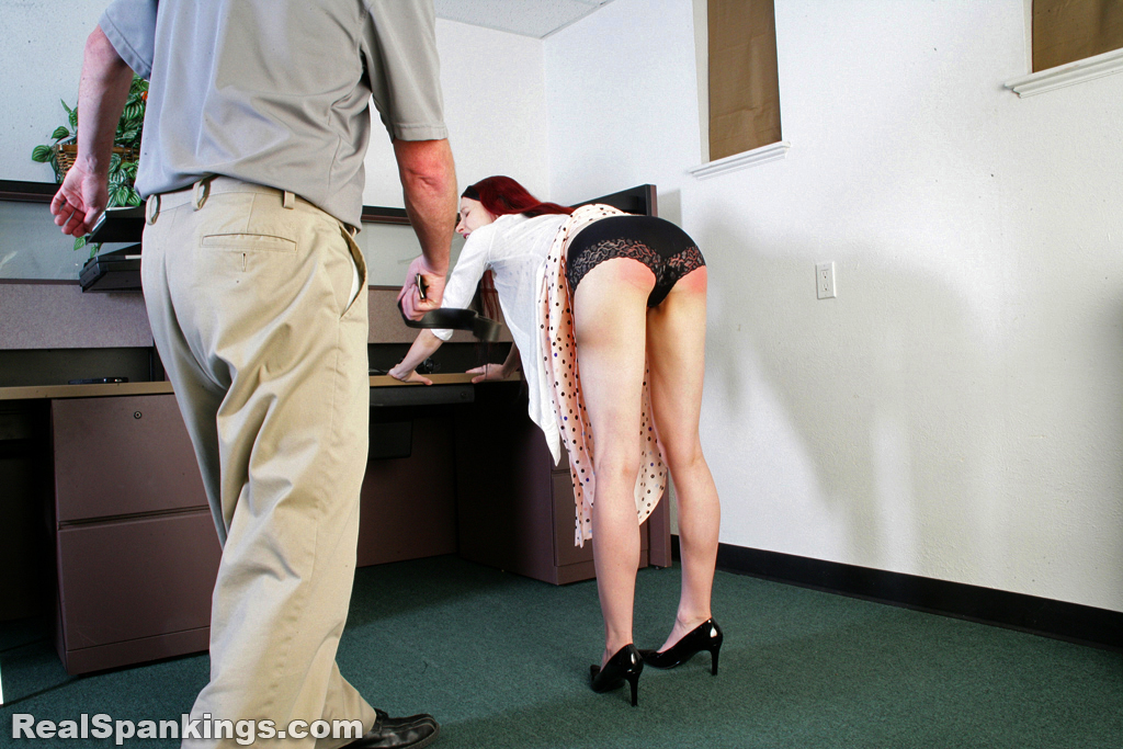 Real Strappings – RM/HD – Spanked Secretary | November 13, 2019