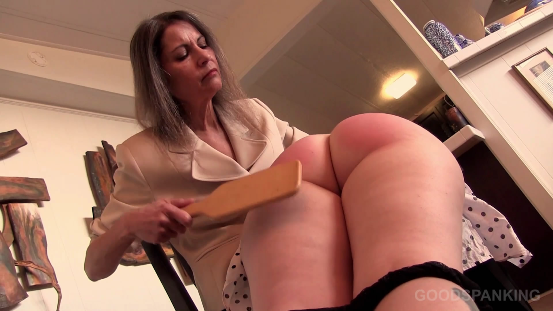 Good Spanking – MP4/Full HD – CHELSEA PFEIFFER,GINGER SPARKS – PUT TO THE TEST | NOV. 29, 19