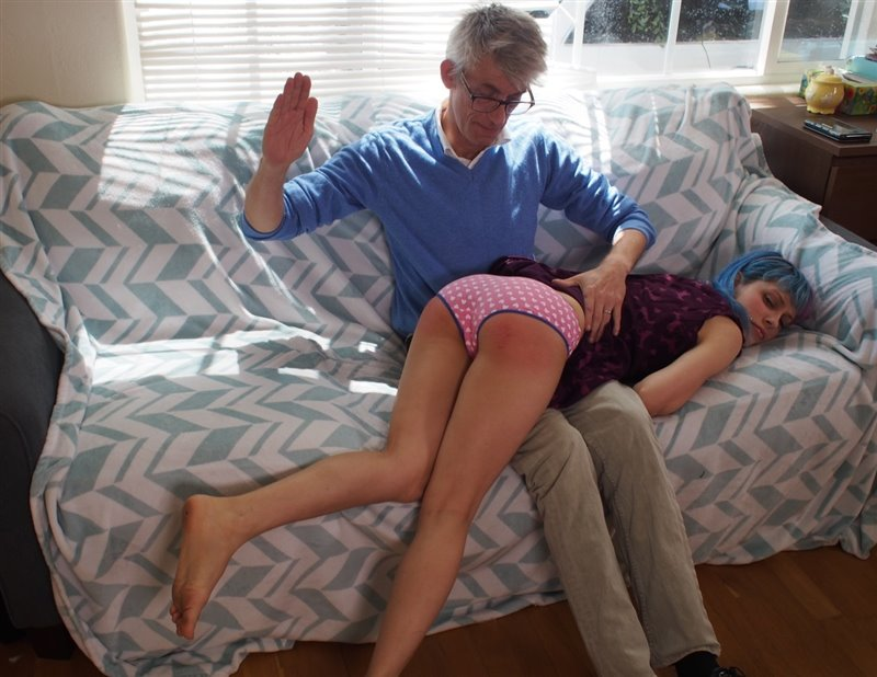 Northern Spanking – MP4/Full HD – Dorothy Burnett, Paul Kennedy – Under The Sea