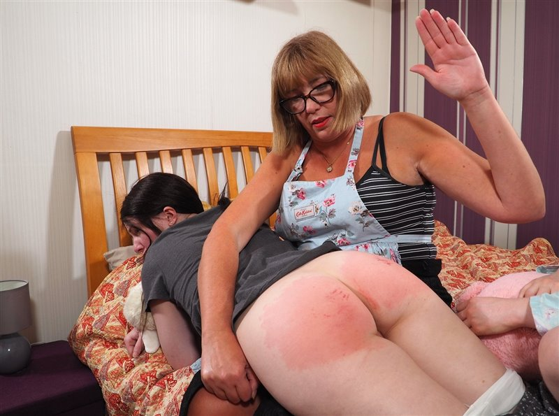 Spanking Sarah – MP4/Full HD – Willow, Holly, Sarah Stern – Please Dont't Take Them Down Mummy