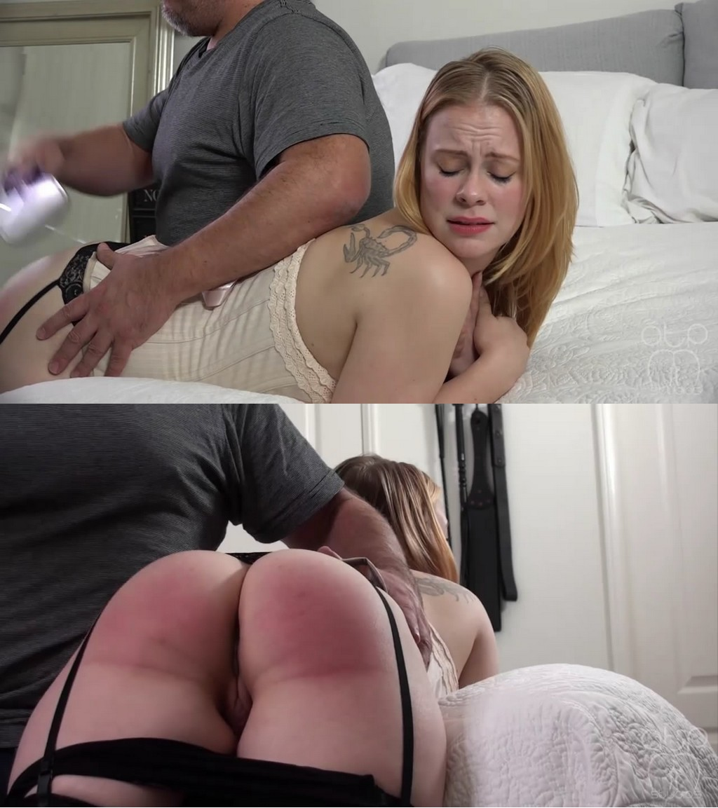 Assume The Position Studios – MP4/HD – Stevie Rose, The Master – Stevie Rose Bare Belt And Paddle – Photographer With Benefits 4 (Release date: Jul 10, 2020)