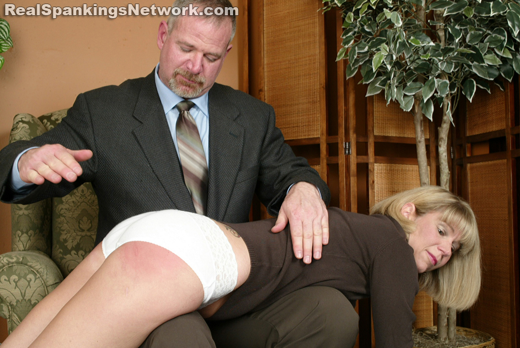 OTK Spankings – RM/SD – Elizabeth Burns – Ms. Burns Learns a Lesson