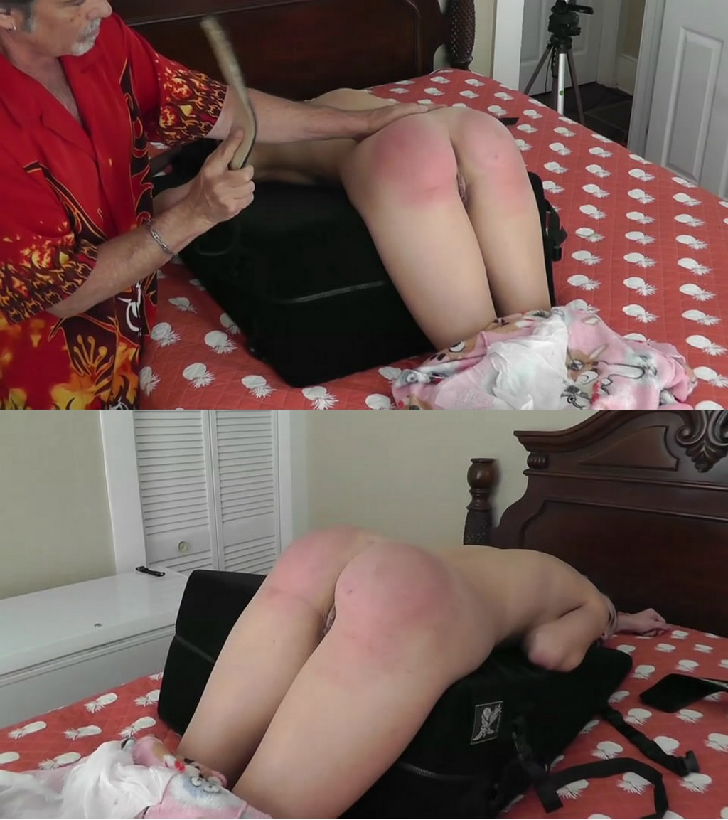 Dallas Spanks Hard – MP4/SD – Hailey – Hailey Triple-play 10 – Razor Strap Along With Reflection