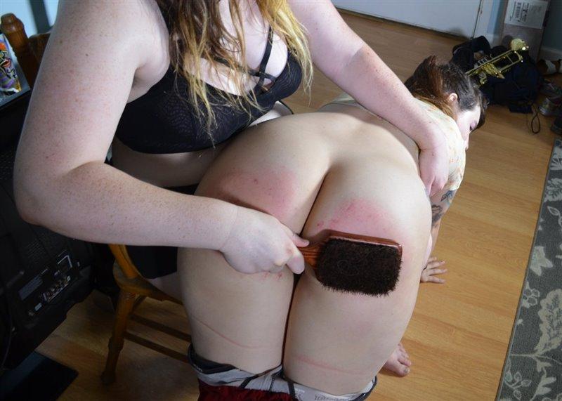 My Spanking Roommate – MP4/Full HD – Cece Lachey, Gigi Lea – Cece Spanks New Roommate Gigi