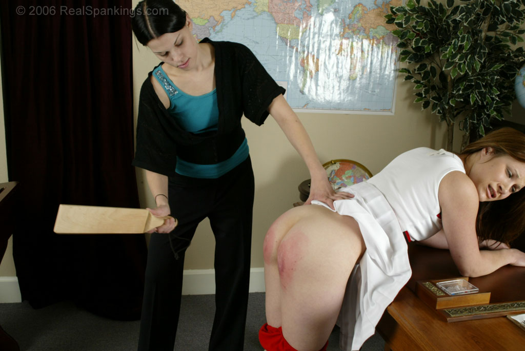 Real Spankings  – MP4/HD –  Claire – Claire's Demerit Paddling ( Nov 25, 2020 )