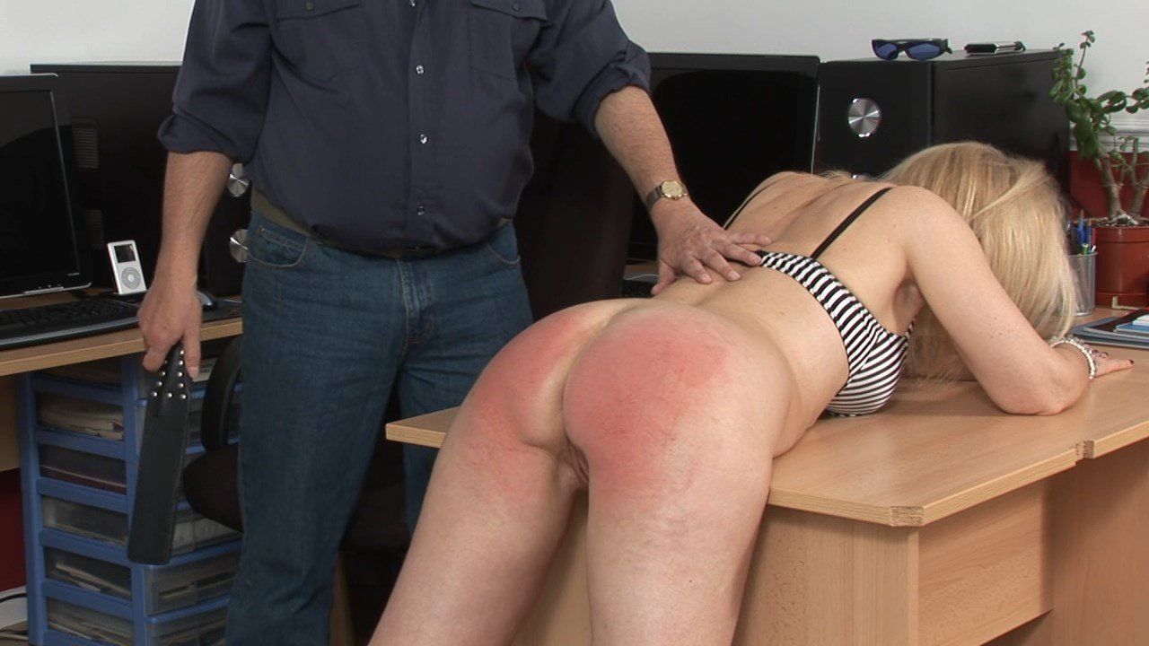 Spanked Cheeks  – MP4/HD –  Chris Summers – It Wasn't Me