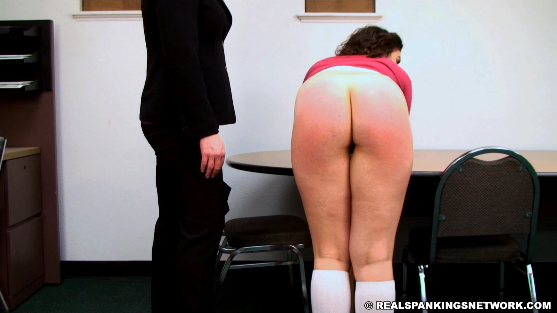 Real Spankings Institute – MP4/Full HD –