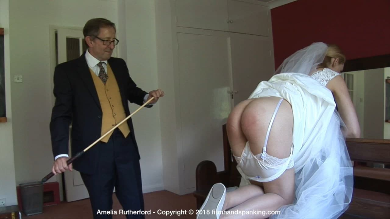 Firm Hand Spanking – MP4/HD – Amelia Rutherford – Princess Punishment