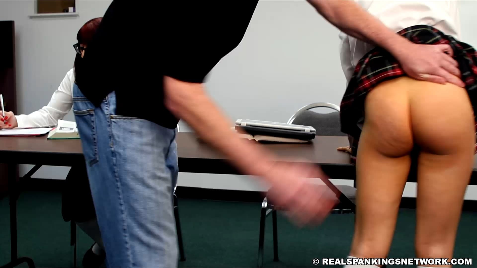 Real Spankings Institute – MP4/SD – Kiki Cali – Hand Spanked And Strapped Together (part 1 Of 4)