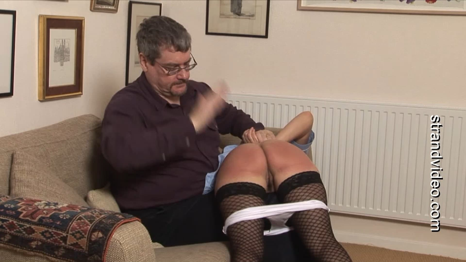 Red Stripe Films – MP4/Full HD – Nurse Donna, Aegean – A Spanking For Nurse Donna