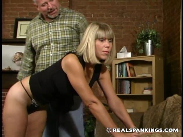 Real Spankings – RM/SD – Elizabeth Burns – Elizabeth Argues With Mr. Daniels – Part 1